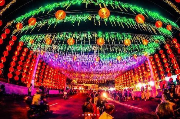 Ribuan lampion yang terpasang di Pasar Gede | Sumber: Camera Wisata