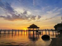 Pantai Kartini 4