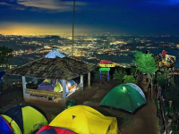 camping di lereng kelir