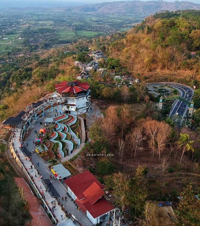 Makan sambil memanjakan mata: 15 tempat makan di Jogja dengan view paling kece