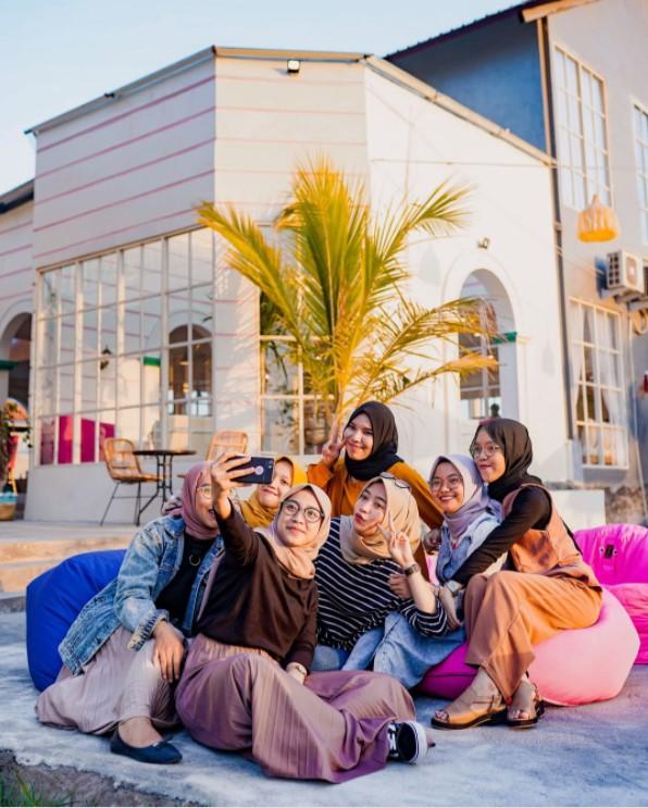 Carney Cafe Jogja